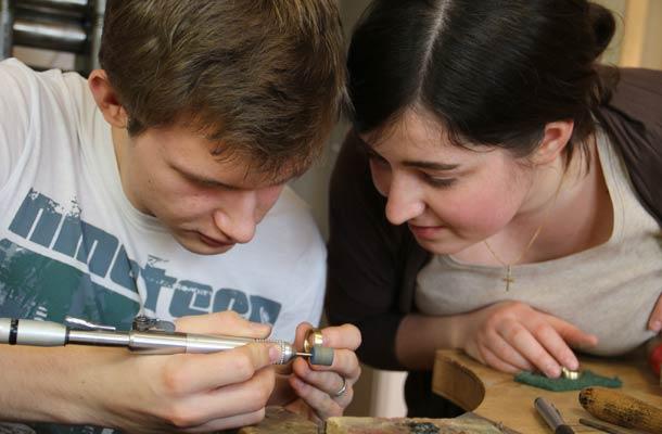 Es hat sehr viel Spaß gemacht mit Deiner Hilfe unsere Ringe zu schmieden.